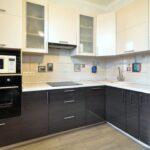 угловая кухня минимализм