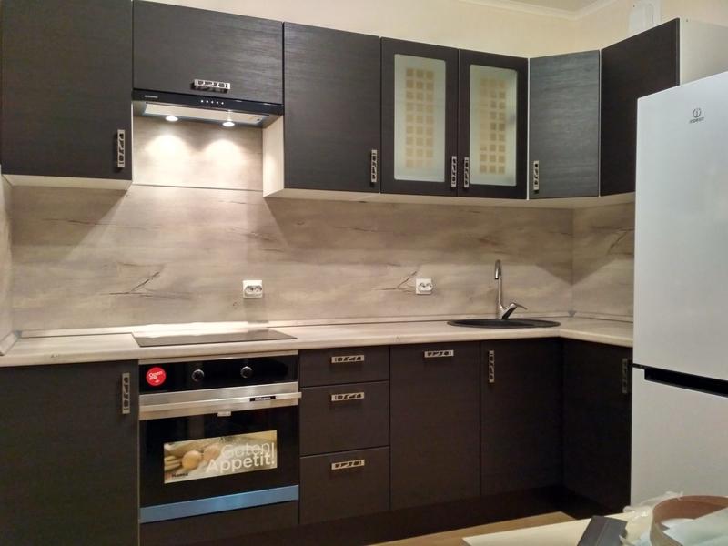 кухня леруа мерлен темного оттенка