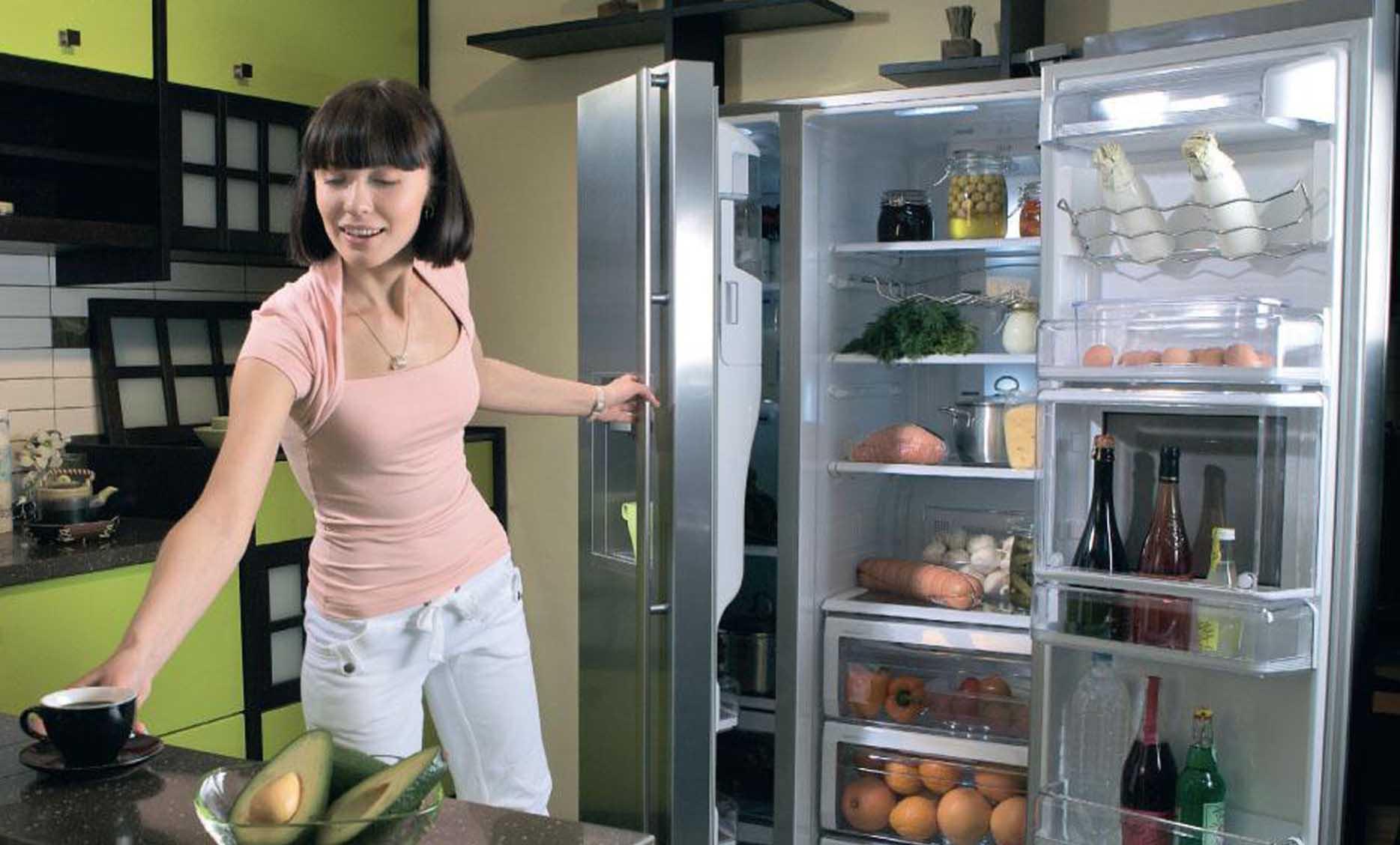 холодильник работает громко