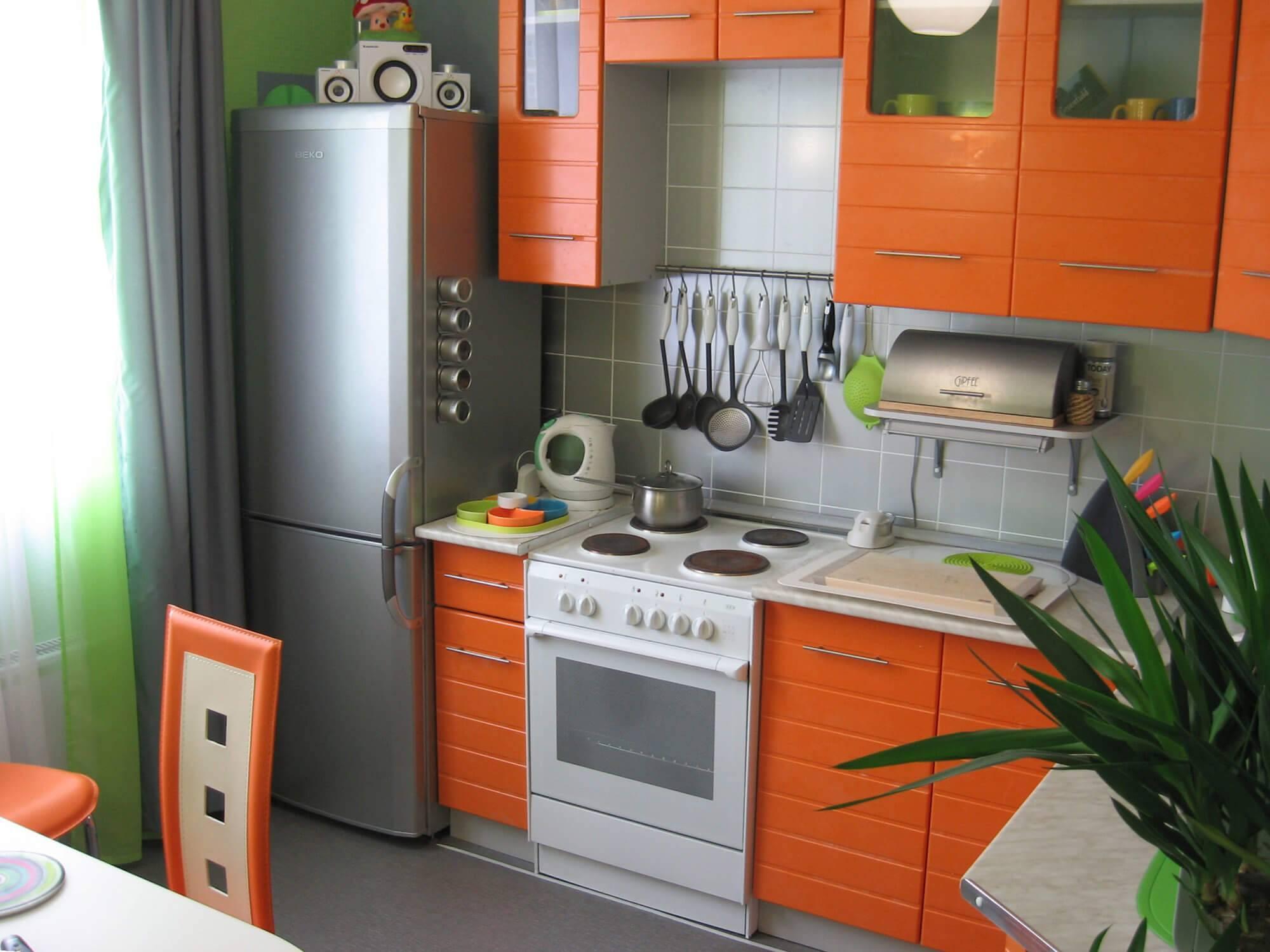 холодильник рядом с радиатором