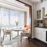 объединение балкона с кухней 38